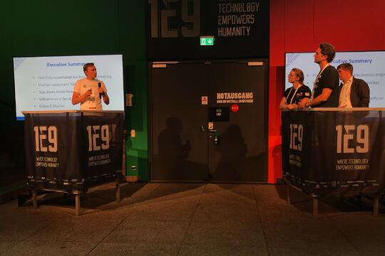 Pitching at 1E9 Tech Conference