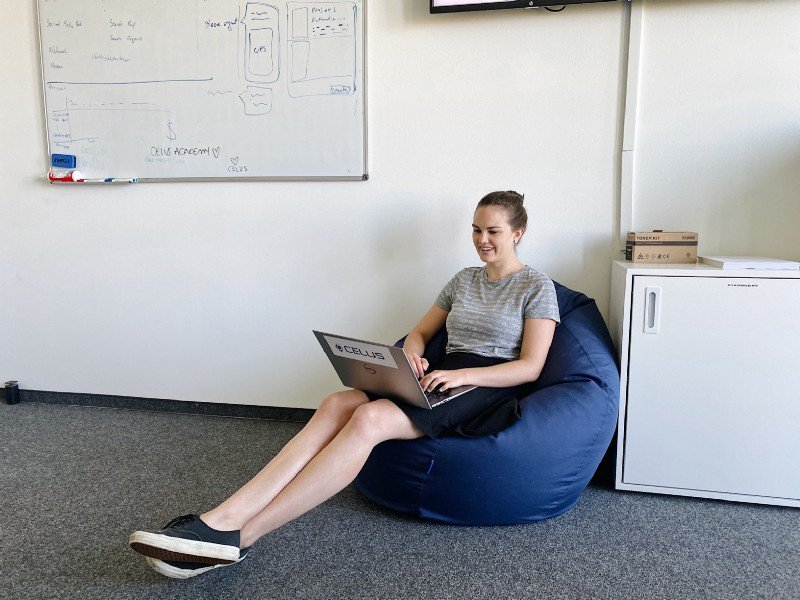 Lea enjoys creative tasks in Marketing